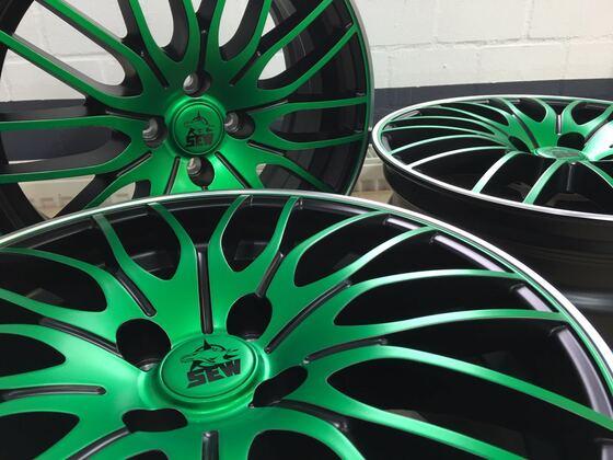 Borbet CW4 grün foliert