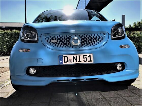 Smart 453 Cabrio Aston Martin Flugplatzblau matt