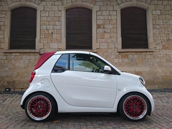 Unser Smart Cabrio mit neuem Schuhwerk